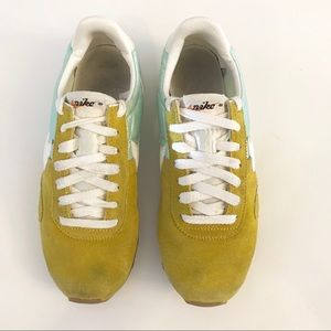 Nike Shoes - Nike Pre Montreal Racer Vintage Sneakers Mint Gold